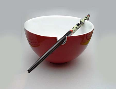 Ramen bowl with chopstick rests